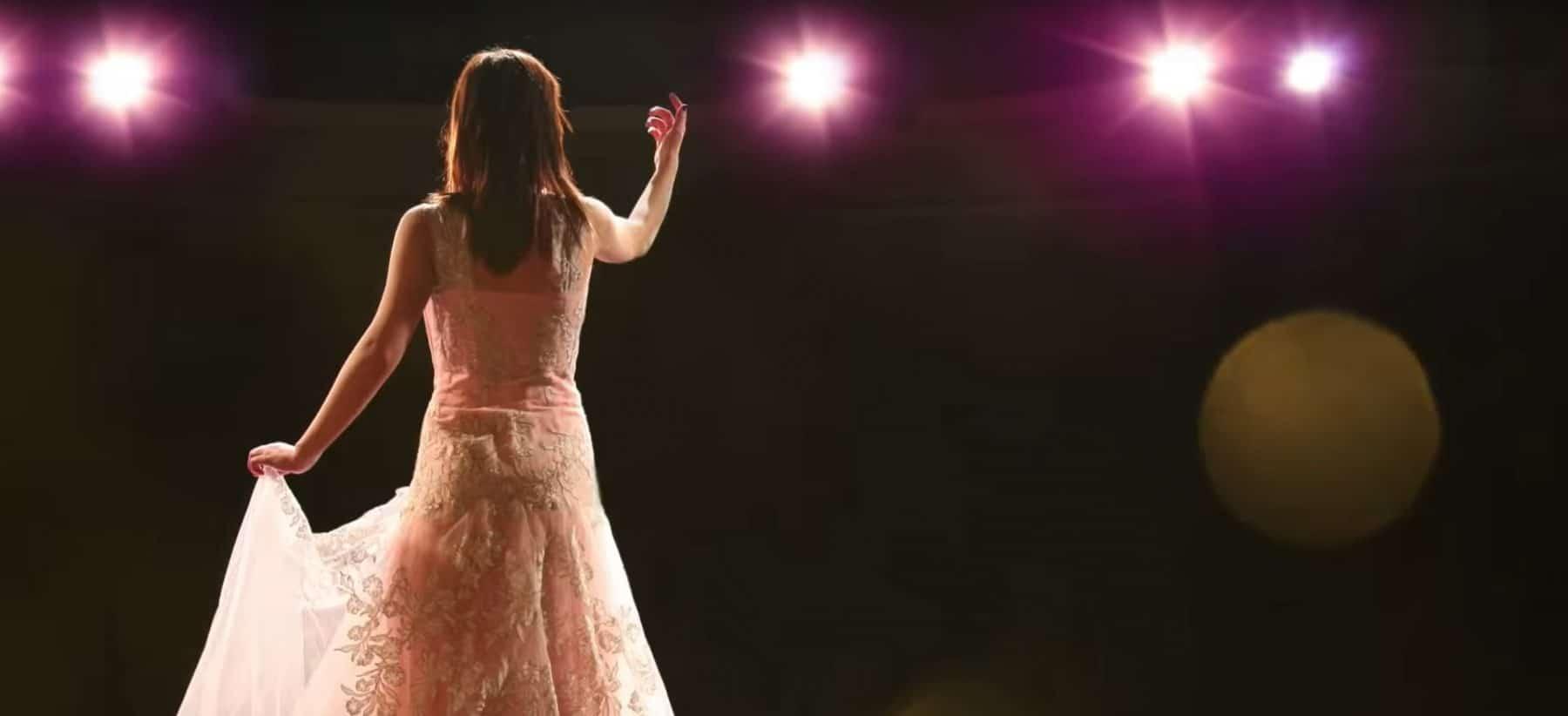 Dame sur scène